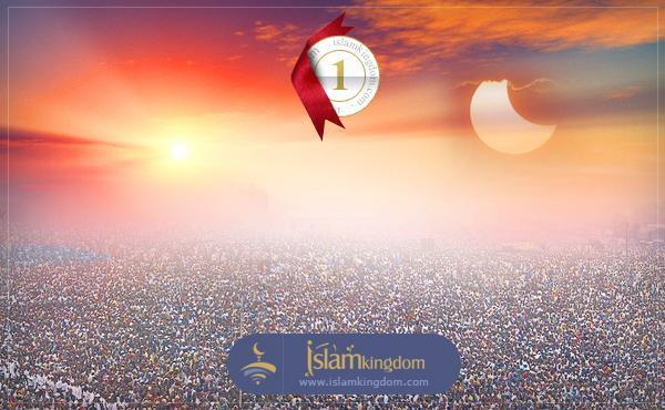 أول من يقرع باب الجنة هو سيدنا <b>محمد عليه الصلاة والسلام</b>.