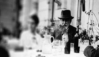 पेरिस के कैफ़े मे फ्रइड़ के साथ मुलाख़ात